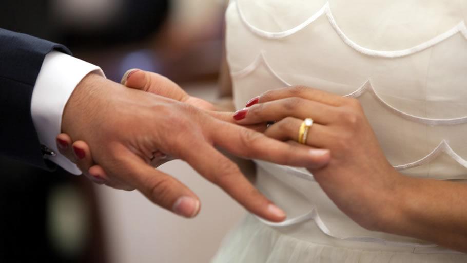 結婚相手との出会いはネット!本人次第で幸せな結婚 ※写真はイメージです