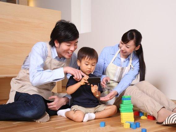 妻の不倫や浮気が原因で離婚。父親は親権をとれるの?